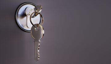 Hire Locksmith Calabasas for your Lock issues